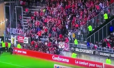 Amiens, crolla una balaustra allo stadio: 18 feriti, 3 gravi