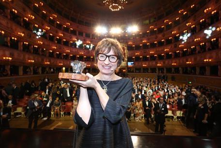 Spoltore festeggia l'abruzzese vincitrice del Premio Campiello