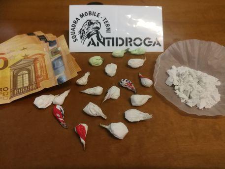 Arrestato spacciatore dominicano, aveva di 21 dosi di cocaina