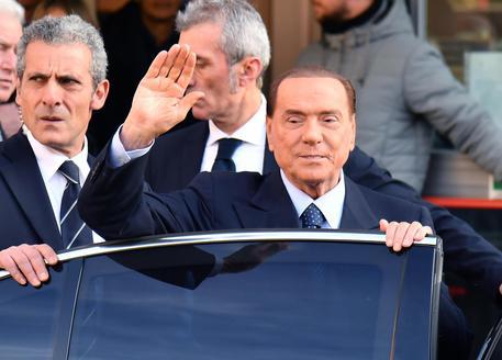 Ue: scontro Salvini-Berlusconi. Leader Lega: 'Il 3% non esiste'