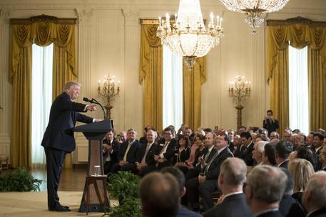 DAVOS Trump: America first, ma non da sola