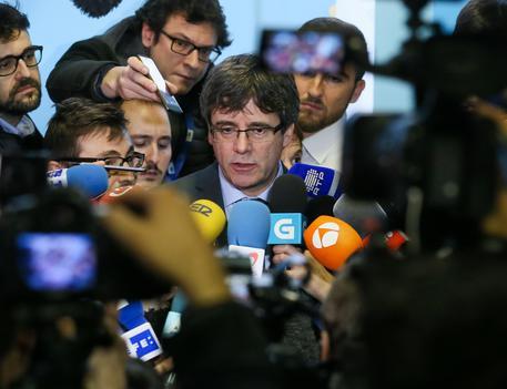 Catalogna, Puigdemont tratta per rientrare in Spagna