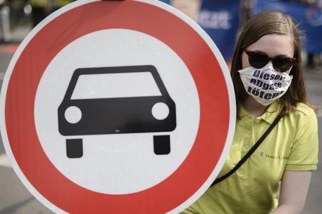 Foto d'archivio di una manifestazione contro l'inquinamento © EPA