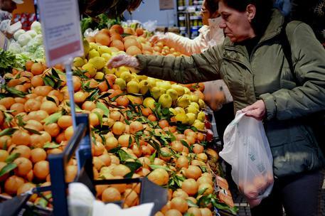 Italia, inflazione dicembre confermata in salita. Nel 2017 aumenta dell'1,2%