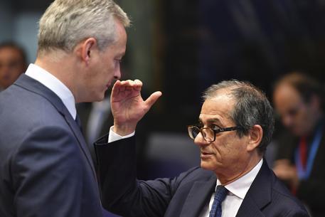 Parla Oettinger e lo spread risale, Salvini