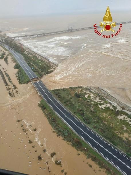 Sardinia road bridge collapses - English - ANSA.it