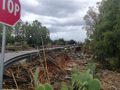 Crolla muro campo sportivo in Ogliastra