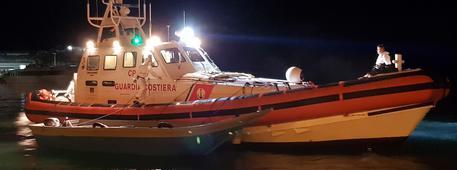 Migranti: 70 soccorsi sbarcati a Lampedusa © ANSA
