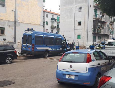 Pescara Camera Live : Casa blitz forze dellordine a pescara abruzzo ansa.it