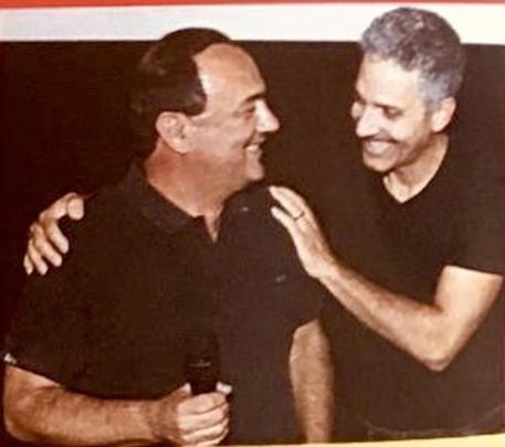 Mimmo Lucano e Beppe Fiorello in una foto pubblicata dall'attore su twitter © ANSA