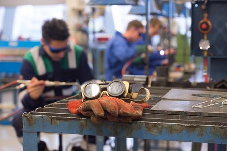 Istat, disoccupazione al 9.9%: mai così bassa dal 2012