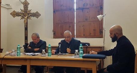 Chiesa: appello vescovi per lavoro