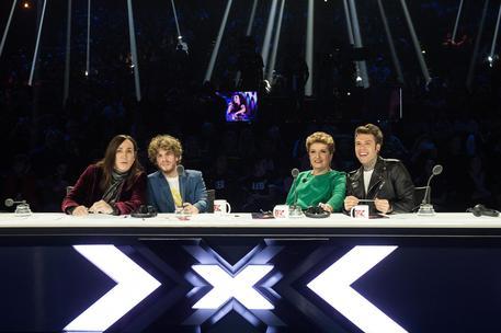 X Factor, il live degli inediti manda a casa Renza