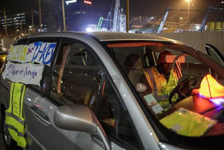Francia, in piazza contro il caro-carburante: investita e uccisa una manifestante