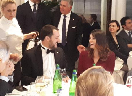 Salvini in smoking rivede la Isoardi alla cena di gala