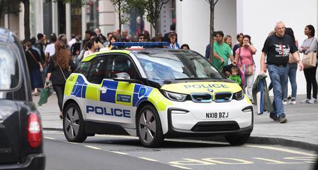 Londra, ferisce con un machete 2 persone nella sede della Sony