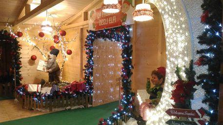 Babbo Natale In Casa.Casa Di Babbo Natale A Castel Castagna Abruzzo Ansa It