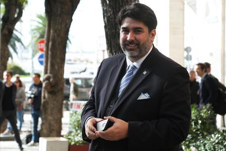 Solinas acclamato candidato presidente