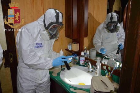 Omicidio Zera, tracce di sangue sugli abiti del marito$