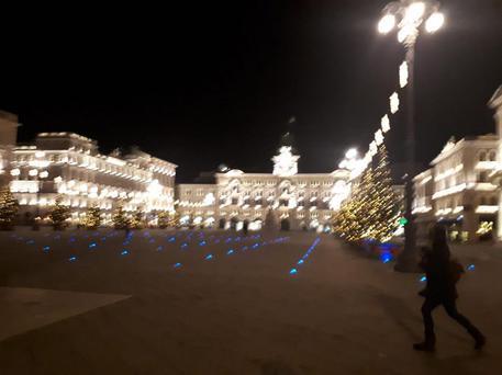 Trieste Natale.Natale A Trieste Accese Luci Su Alberi In Piazza Unita