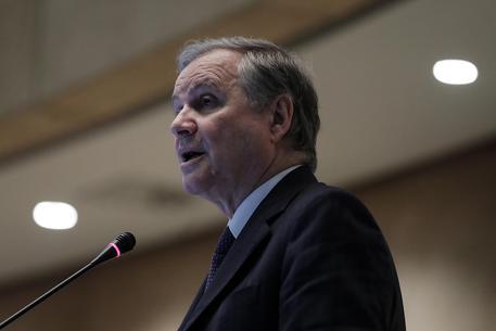 Visco: no rischi di Italexit ma sui mercati pesano le parole