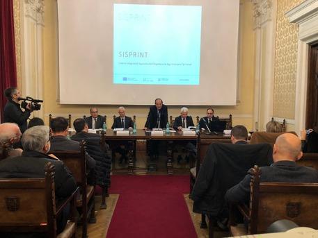 Sardegna, crisi permane, traina turismo