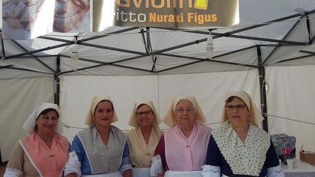 InvitaS, a ruba i raviolini fritti - La specialità di Nuraxi Figus, frazione di Gonnesa, è una delle ghiottonerie più richieste