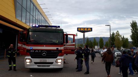 Scatta Antincendio Ikeaclienti Evacuati Toscana Ansait