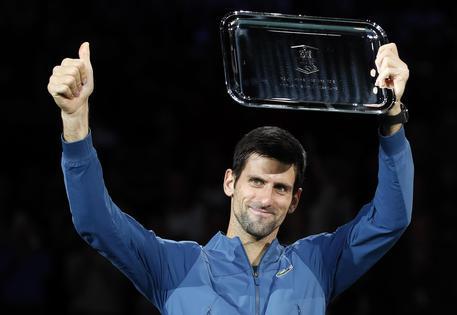 ATP Parigi: Fognini-Federer, i ritiri decretano l'ottavo di finale