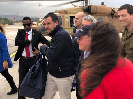 Le parole di Salvini su Hezbollah imbarazzano la Difesa