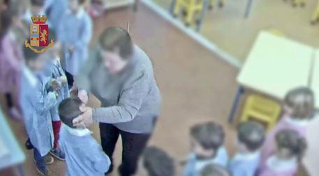 Maestra d'asilo maltrattava i suoi piccoli: sospesa e denunciata$