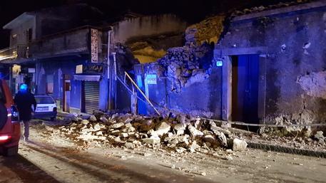Etna: terremoto magnitudo 4.8 a nord Catania, danni e feriti © ANSA