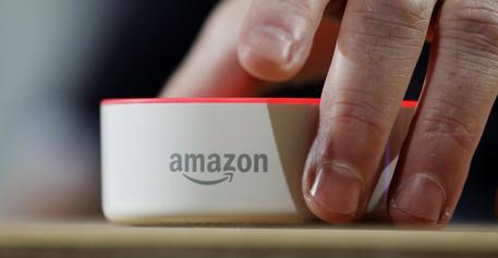 Poste Italiane, accordo con Amazon per sviluppo e-commerce in Italia
