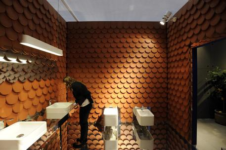 Palermo, piazza microcamera nella toilette per spiare le donne$