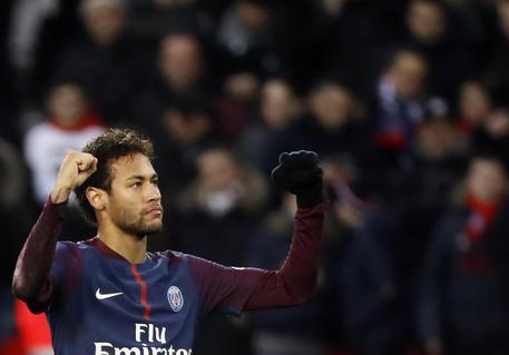 L'operazione di Neymar è un giallo: il Brasile spinge, no del PSG