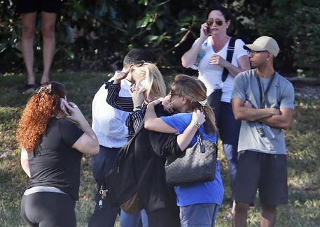 Sparatoria in Florida, vittime salgono a 17