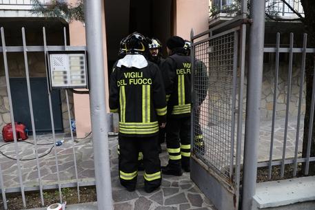 Bologna, esplosione in una cantina: un morto