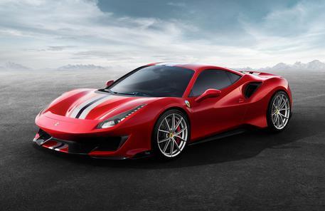 Ferrari 488 Pista, ecco le prime immagini della nuova supercar del Cavallino