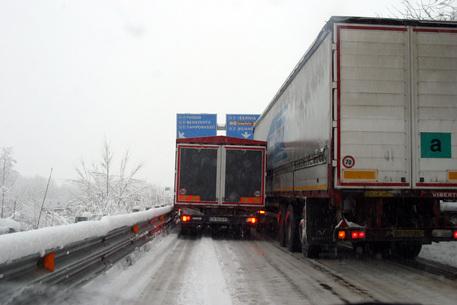 Calo delle temperature: stop alla circolazione dei mezzi pesanti