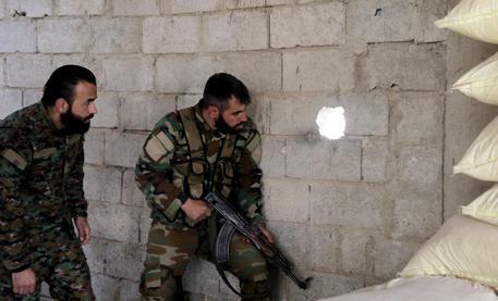Siria: Onu, decine di morti in raid Russia e Coalizione Usa