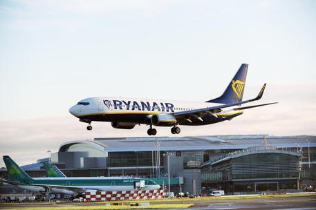 Crotone torna a volare con Ryanair , due le rotte