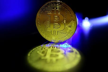 Bitcoin, effetto Libra: supera i 10mila dollari. Top da marzo 2018