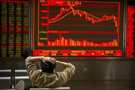 c090e8469d Borsa: Asia a picco con Wall Street, Shanghai -4% - Economia - ANSA.it