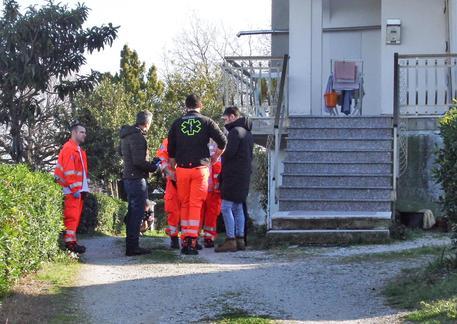 Cupramarittima (Ascoli Piceno) - Uomo prende a sprangate là sorella: è gravissima