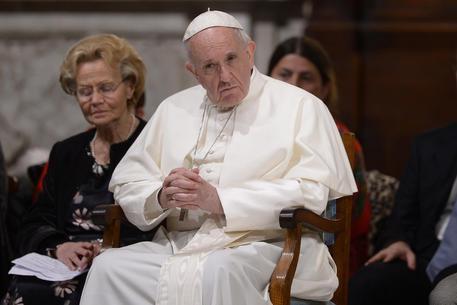 Papa Francesco telefona a donna di Ischia malata di cancro