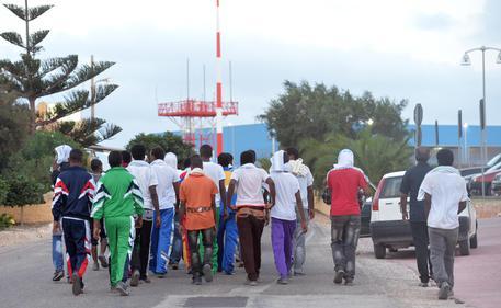 Chiuso Hotspot di Lampedusa, via ultimi tunisini$