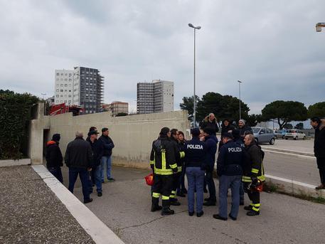Bari, incendio doloso nella sede giudice di pace: distrutte schede elettorali