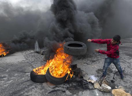 Gli scontri al confine tra Gaza e Israele © AP