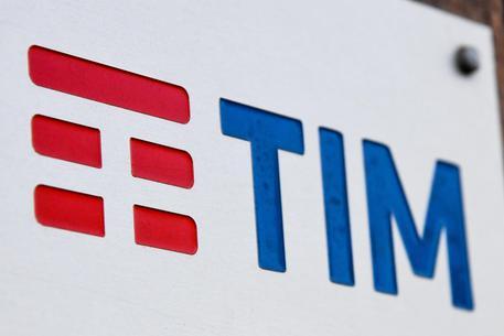Tim corre in Borsa (+5%), Elliott in campo contro Vivendi