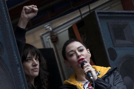 Asia Argento minaccia Rose McGowan, ti denuncio